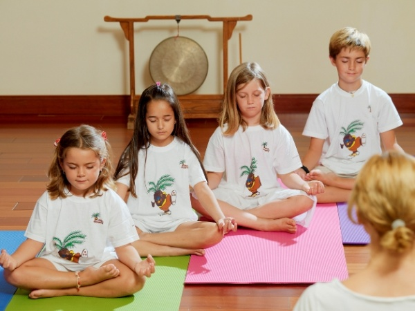 занятия для детей йога